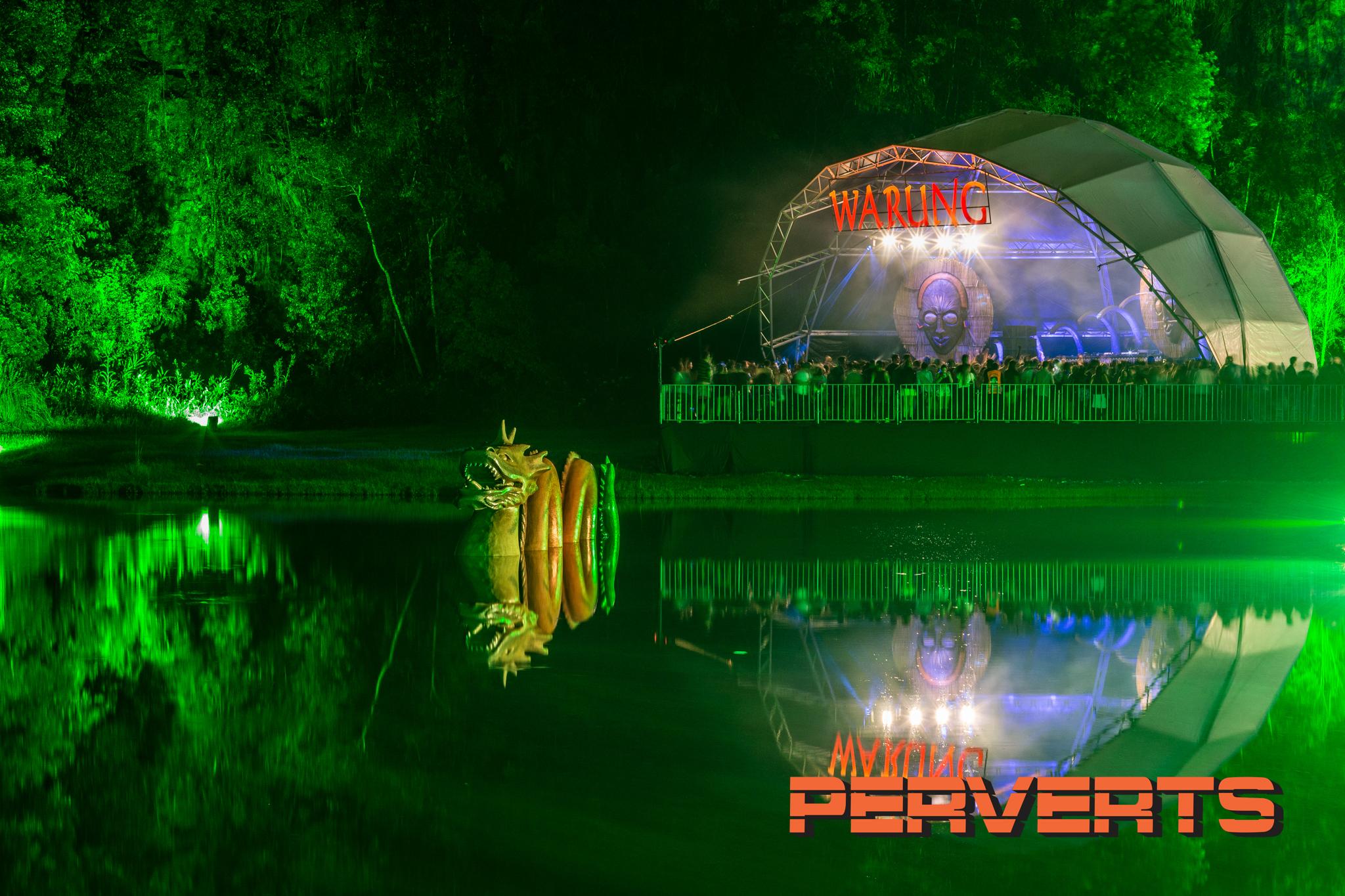 Warung Day Festival . 21 de março de 2015, na Pedreira Paulo Leminski. . cenografia: Perverts. fotografia © Rubens Nemitz Jr